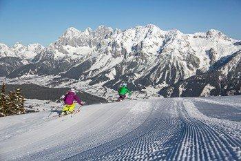 Mit Panoramaaussichten wird man beim Skifahren auf der Planai verwöhnt.