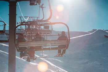 Knapp 80 Sessellifte gibt es im großen Skigebiet von Portes du Soleil.