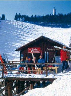 Die kleine aber feine Ravensberg Alm inmitten des Harzer Skigebietes