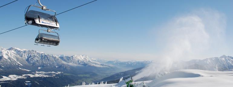Drei Sessellifte, acht Schlepplifte und drei Gondeln transportieren die Wintersportler auf den Berg.