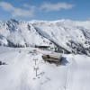 Herrliches Winterpanorama mit Blick auf die Skihütte Hochsitz.