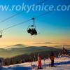 Mit der zweitlängsten Seilbahn Tschechiens geht es auf den Gipfel hinauf.