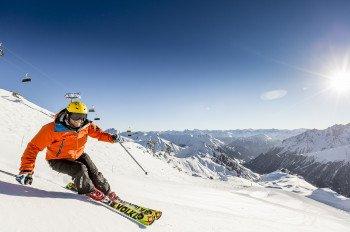 238 km Pistenvergnügen erwarten dich in der internationalen Ski-Arena Samnaun.