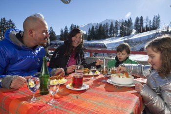 Einkehrschwung im Bergrestaurant Savognin