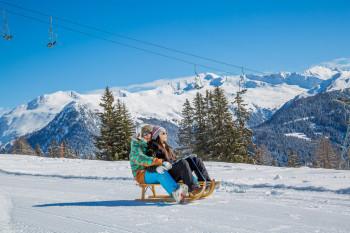 Zurück nach Davos Platz kannst du über die 2,8 Kilometer lange Schlittelbahn fahren.