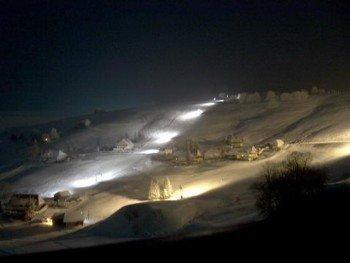 Von Montag bis Samstag ist in Hofsgrund Nachtskifahren möglich.