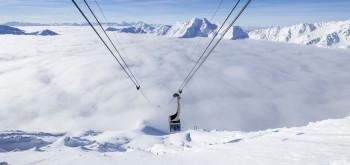 Über den Wolken Skifahren am Schnalstaler Gletscher.
