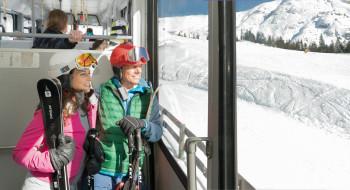 Die Standseilbahn bringt die Skifahrer hoch zur Rosshütte.