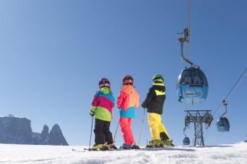 Mit der Seiser Alm Bahn bequem und schnell ins Skigebiet