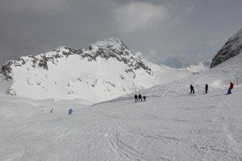 Eine lange Saison wird durch die Lage in einem `Schneeloch´ in den Julischen Alpen garantiert.