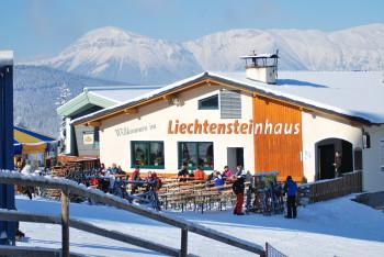 Eine Sonnenterrasse besitzt das Liechtensteinhaus.