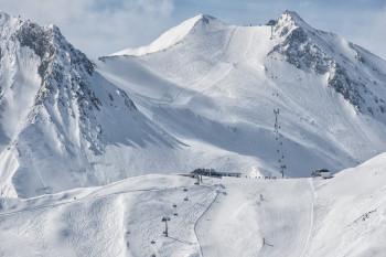 Blick ins weitläufige Skigebiet