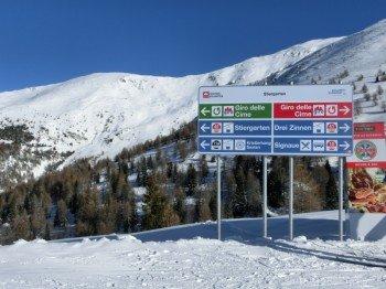 Die Beschilderung ist im Skigebiet vorbildlich