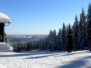Silbersattel Steinach ist mit insgesamt vier Kilometer Pistenabfahrten das größte Skigebiet in Thüringen