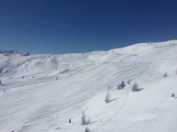Breite Pistenautobahnen gibt es im Skigebiet zuhauf, wie hier die Familienabfahrt 3