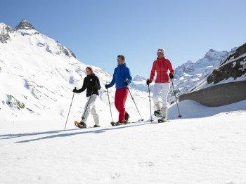 Schneeschuhwanderungen sind im Montafon besonders beliebt, kein Wunder, lädt doch die fantastische Naturlandschaft dazu ein.