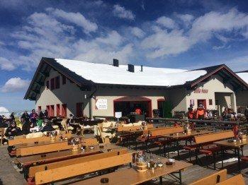 Die Berghütte Bella Nova befindet sich an der Bergstation der Valiser Bahn. Hier kann man gut Einkehren und italienische Spezialitäten verköstigen.