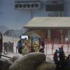 Jede Menge Guides helfen den meist arabischen Besuchern bei den ersten Versuchen auf Schnee.