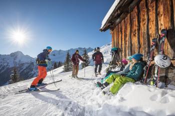 Egal ob Anfänger oder Fortgeschrittener, im Ski Juwel werden alle Mitglieder einer Reisegruppe glücklich.