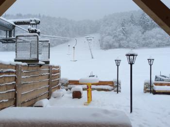 Das Skigebiet liegt zwar nur auf einer Höhe von 460 bis 560 Metern, dennoch kann es hier sehr winterlich werden.