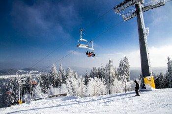 Die schwarze Piste von der Kappe ins Tal wird als Slalomhang bezeichnet und von einem 6er-Sessellift bedient.