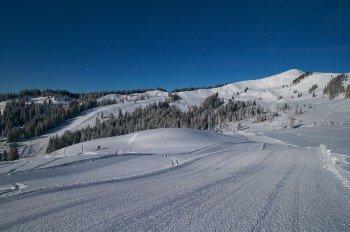 Schneesicher auf einem Hochkessel liegt das Skigebiet Grasgehren.