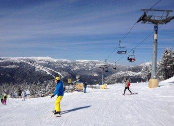 Knapp 25 Kilometer stehen zum Skifahren und Snowboarden zur Verfügung.