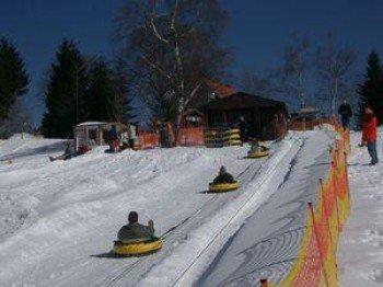 Spaß für die ganze Familie bietet die Snow-Tubing-Bahn in St.Andreasberg