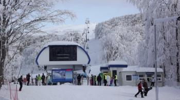 Von Jabučko ravnište geht es mit der Gondel bergwärts