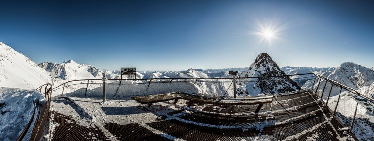 Der höchste Punkt im Skigebiet: Top of Tyrol auf 3210m Seehöhe