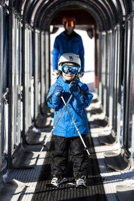 Die Zauberteppichlifte im BIG Family Ski-Camp verfügen über Wetterschutztunnel