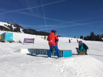 Shred Kids im Snowpark