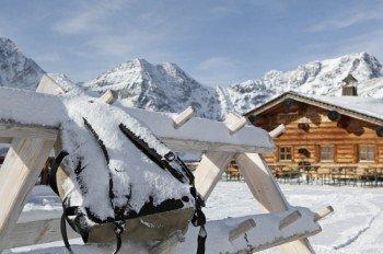 Südtiroler Spezialitäten mit Blick auf die Königsspitze gibt es in der urigen Madritschhütte