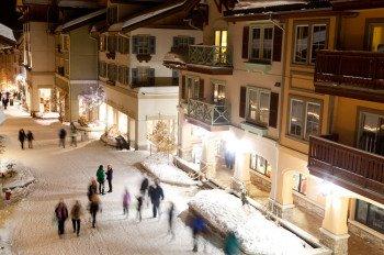 Was Après Ski und ein ordentliches Nachtleben angeht, gibt es eine Menge Pubs und Bars in Sun Peaks zu erkunden. Bottom's Bar & Grill sowie The Club sind einen oder auch zwei Besuche wert.