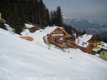 Schneeflockerl Hütte an der Piste 3.