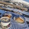 Zahlreiche Hütten locken am Katschberg mit großzügiger Sonnenterrasse und leckeren Speisen zur Einkehr.