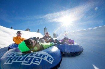 Snow Tubing im Adventure Ridge Park