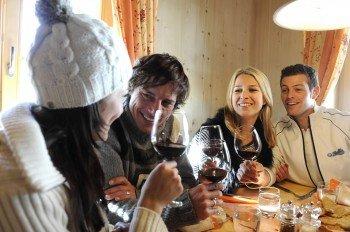 Von der rustikalen Hütte bis zur modernen Cocktail Lounge - Après Ski kommt auch in Gröden nicht zu kurz.