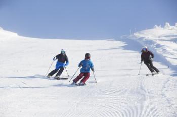 Das Skigebiet ist für die ganze Familie geeignet.