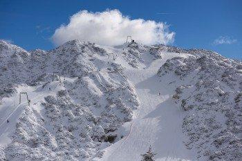 Drei Schlepplifte, vier Sessellifte und eine Gondel befördern die Wintersportler im Skigebiet Vogel.