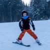 Am Übungshang können auch die Kleinen schon das Skifahren lernen.