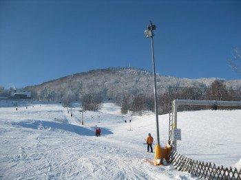 Wintersportler haben im Skigebiet Lausche die Wahl zwischen drei Liften
