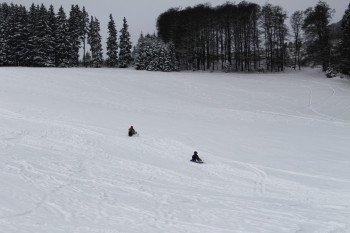 Auch die Rodler können den Sessellift im Skigebiet nutzen, um oben die tolle Aussicht über das Rothaargebirge zu genießen.