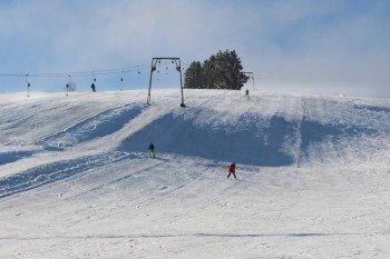 Mit sanften Hügeln ist die Strecke am Ankerlift vor allem für Anfänger gut geeignet.