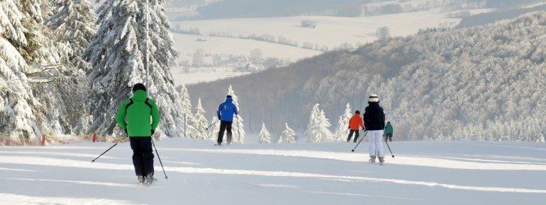 Die Wasserkuppe ist das höchsgelegene Skigebiet in Hessen.