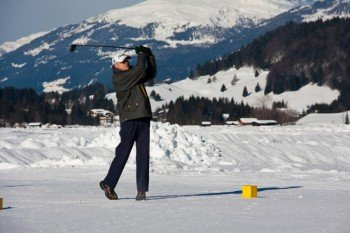 Wie wäre es mit einer Partie Eisgolf nach dem Skifahren?