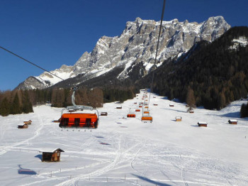Herrliche Panoramalage am Fuß der Zugspitze