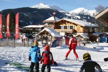 Tiroler Skischule an der Talstation Sunracer am Sonnenhang