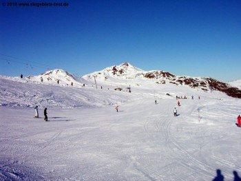 Breite Pisten über das ganze Skigebiet verteilt!