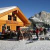 Die Bärenhütte an der Wurzeralm ist ein beliebter Treffpunkt zur Einkehr.